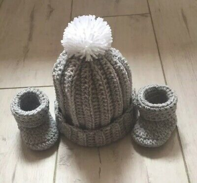 £9.99 • Buy Handmade Crochet/Knitted Boys/Girls Bobble Hat & Booties 0-3 Months Silvery Grey
