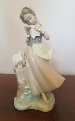 Lladro Figurine 'girl With Doves • 28.85£