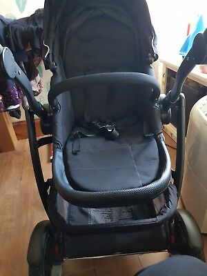 Graco Travel System (pram, Carry Cot, Carseat, Frame) • 130£