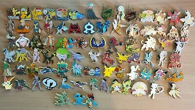 Pokemon Official Pins/Badges • 8£