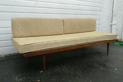 Mid Century Daybed | Compare Prices on dealsan.com