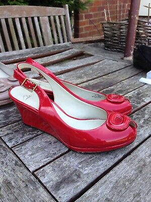 Clarks Woman Red Wedge Patent Shoes Sandals Gold Rose Comfy Holiday Wedding 6 • 26£