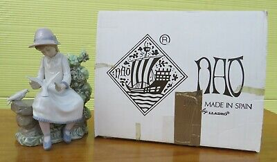 Boxed Nao By Lladro Porcelain Figurine 'Feasting Doves' Girl With Birds (#383) • 50£