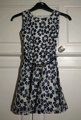 YUMI GIRLS Dress Age 9/10 Years. Navy Floral Pattern With Enamel Flower Belt.  • 6£