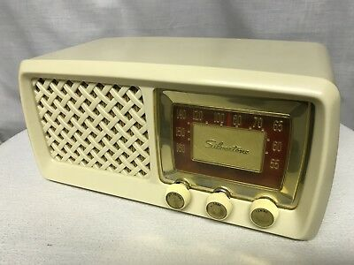 $ CDN199 • Buy Vintage Silvertone 817.41650 Tube Radio With Bluetooth Input