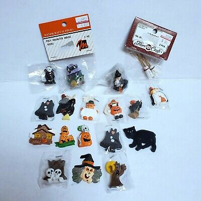 $ CDN41.60 • Buy Vintage Halloween Miniatures Craft Lot 18 Pieces 3-D Resin Haunted House Dracula