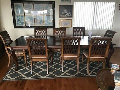Tommy Bahama Dining Room  table With 8 Chairs • 300$