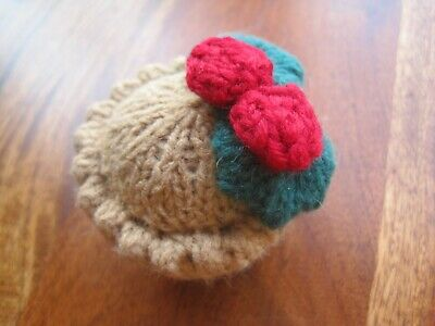 Hand Knitted Xmas Pudding. Role Play, Food, Holly, Vegetarian. • 5.99£