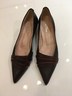 Audley Soft Brown Leather Low Kitten Heeled Shoes • 30£