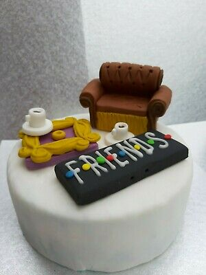 3D Sofa,Peep Hole, Name Plaque, Cups, Personalised Edible Cake Topper Friends  • 11.99£