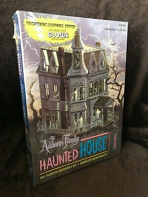 $ CDN66.18 • Buy The Addams Family Haunted House POLAR LIGHTS Model Frightening Lightning 5002
