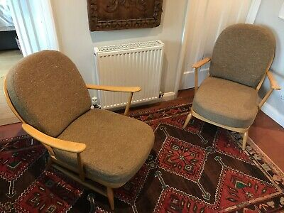 Pair Of Vintage Ercol 203 Windsor Armchairs In Excellent Original Condition • 499.99£