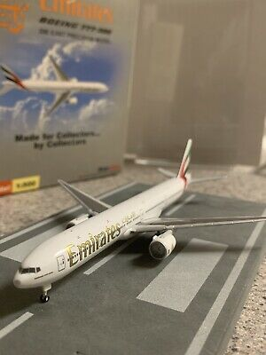 $42.99 • Buy SkyJets 1:500 Scale Model Emirates Boeing 777-3 Commercial Airliner A6-EMN