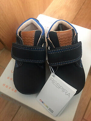 Geox B Kaytaan Navy Casual  Shoes In Size UK 2.5 Infant • 19.95£