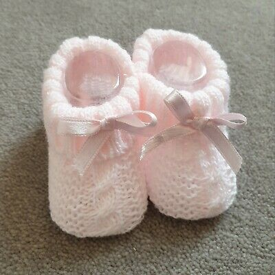 Knitted Baby Bootees With Bow- Pink (0-3 Months) • 2.99£