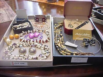 $ CDN27.23 • Buy Huge Vintage Mod Signed Jewelry Lot Unsigned VTG 2 Now Assorted Items Many Pics