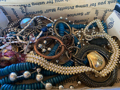 $ CDN17.64 • Buy Vintage To Now Jewelry Lot Unsearched Untested Estate Finds A3