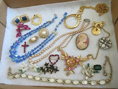 $ CDN24.35 • Buy Vintage Jewelry Lot Crystal Necklace Rhinestone Brooch Pin Cameo & More (927B)