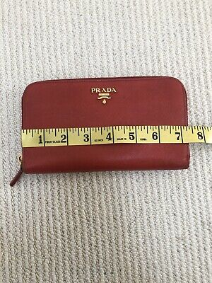 Stunning Prada Red Wallet Purse With Zip Around • 85£