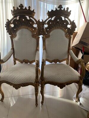 AU700 • Buy King And Queen Chairs