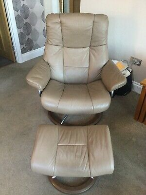 Ekornes Stressless Large Leather Recliner Chair And Stool • 750£