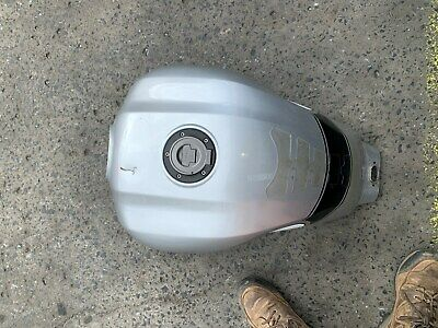 AU350 • Buy Yamaha Xjr1300 2015 Injeced Fuel Tank, Dent On Top, With Pump/ Sender, No Rust