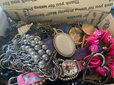 $ CDN18.44 • Buy Vintage To Now Jewelry Lot Unsearched Untested Estate Finds A8