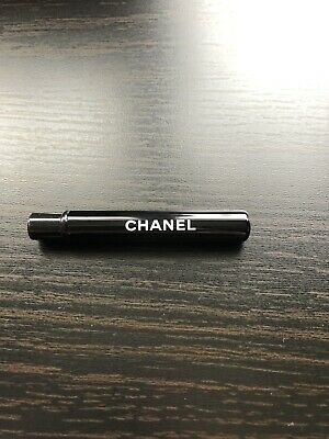 Chanel Mini Lip Brush • 3.50£
