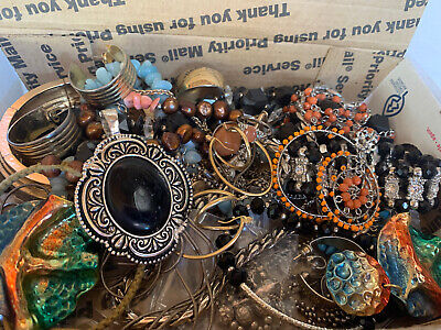 $ CDN18.44 • Buy Vintage To Now Jewelry Lot Unsearched Untested Estate Finds F2