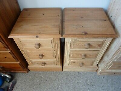 Antique Pine Bedside Cabinets - Pair • 25£