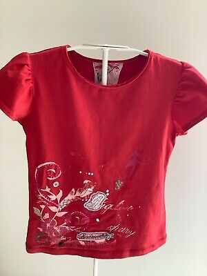 Immaculate Marese Red T Shirt Age 8 • 3£