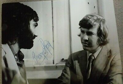 GEORGE BEST MANCHESTER UTD 10X8 - Hand Signed Picture -BLACK AND WHITE • 59.95£