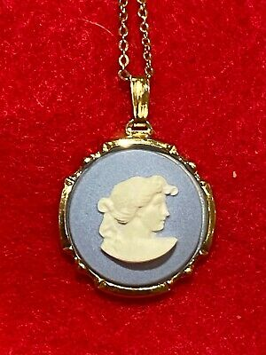 WEDGWOOD White + Pale Blue Jasperware Gold Plated Pendant Necklace And Chain • 1£