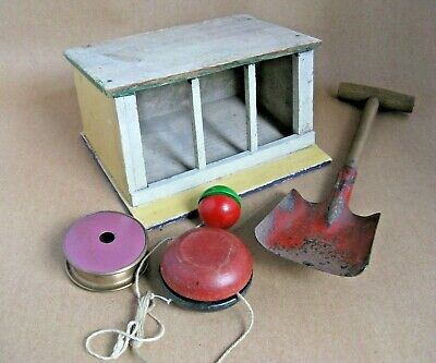 £14 • Buy Collectible Old Children's Toys, Spade+ YO-YO's + Wooden Stable