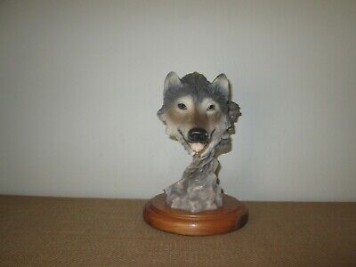 $50.95 • Buy MILL CREEK STUDIOS  #4103  Before The Chase  Wolf Art Sculpture