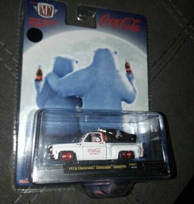 $ CDN60 • Buy M2 Coca Cola Christmas Chase 1974 Chevy Silverado Stepside