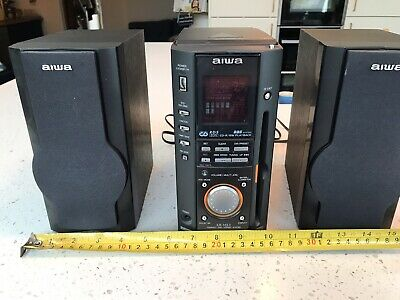 Aiwa Auto Reverse Cassette Deck And CD PLAYER With Speakers • 5£