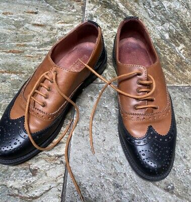 Russell Bromley Two Tone Leather Brogue • 24.99£