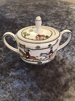 Beautiful Coalport Hunting Scene Lidded Sugar Bowl • 35£