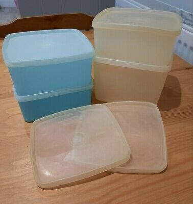 Assorted Vintage Tupperware Boxes  • 7.50£