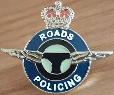 Police Roads Policing Pin Badge   • 5£