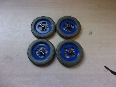 Meccano 4 Grey 2  Pliable Rubber Tyres - Part 142a With 4 Blue Pulleys • 25£