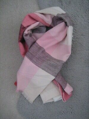 Gap Ladies Winter Warm Scarve Shawl Wrap Long Soft Scarf • 7.99£
