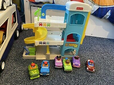 Fisher Price Little People Garage Set Plus 4 Extra Cars • 7.30£