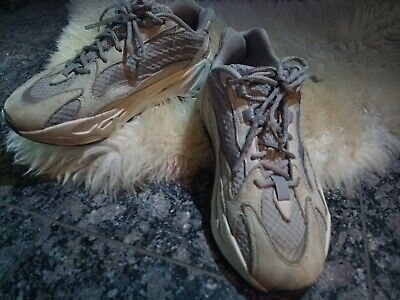 """$ CDN366.60 • Buy Adidas Yeezy 700 Runner Boost """"Mauve"""" Sneaker. Trainers In Great Condition, 2020"""