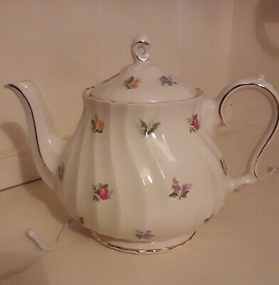 Vintage Sadler Teapot, Roses, Floral, Swirl, Gold Guild, Immaculate Condition. • 25£