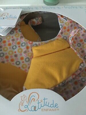 New Baby Gift - Bib And Booties -Yellow And Circle Pattern  - New Gift In Box • 2.50£