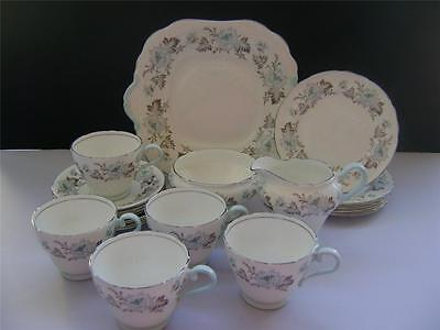 Stunning 18 Piece Tea Set In Pretty Floral Design By Aynsley. • 49£