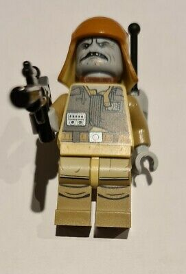 Lego Star Wars Minifigure Pao (with Sticker On Back Pack) • 9£
