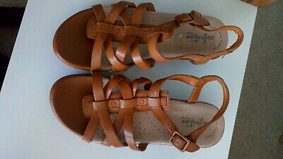 New Clarks Leather Sandals, Size 36 (3.5) Ultimate Comfort. New With Box.  • 25£